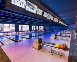 20-lane Bowling Center